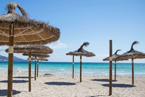 Parasole plażowe na Majorce