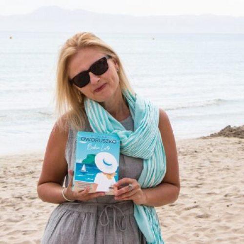 Autorka prezentuje książkę Babie lato