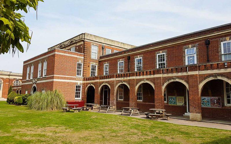 budynek-liceum-2