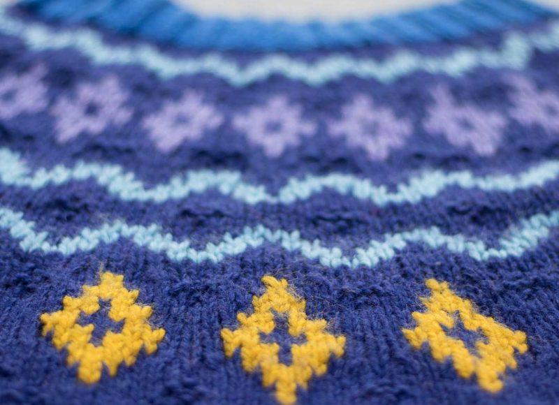 sweter-z-karczkiem-1
