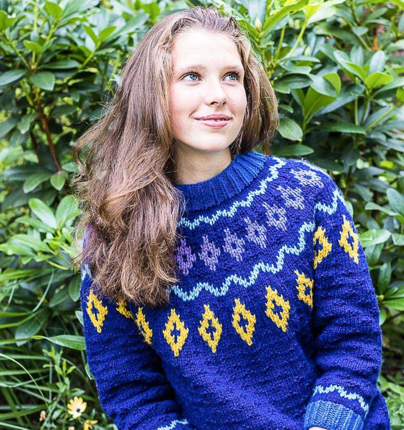 sweter-z-karczkiem-2